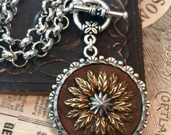 Stunning Victorian Steel Point Two Toned Button Necklace