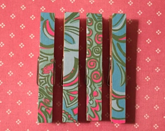 Lilly Pulitzer Lilly Lounge Print: Clothespin Magnets Set of four, Jaguars, Ferns, Blue, Green, Pink