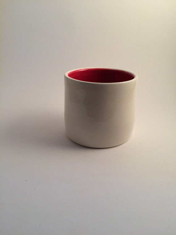 Medium white planter with red