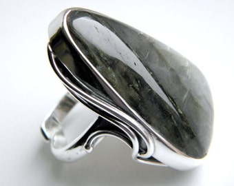 Labradorite sterling silver ring - adjustable