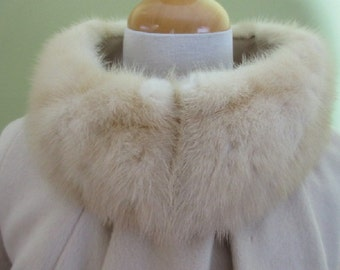Fur Collar Wool Coat, Lilli Ann Paris San Francisco, Hand-Loomed, Fully Lined, True Vintage Early 1960s, Off White Light Beige, Size M 8 10