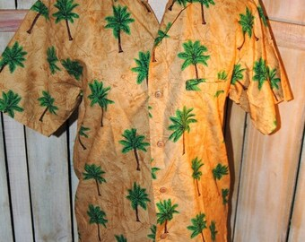 ON SALE Vintage Tropical Palm Tree Patterned Shirt Caribbean Men's Small