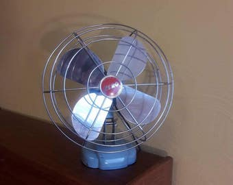 """Zero 13""""H Oscillating Desk Fan #1265R - Made by McGraw Electric/Bersted Mfg Division - VG Condition"""