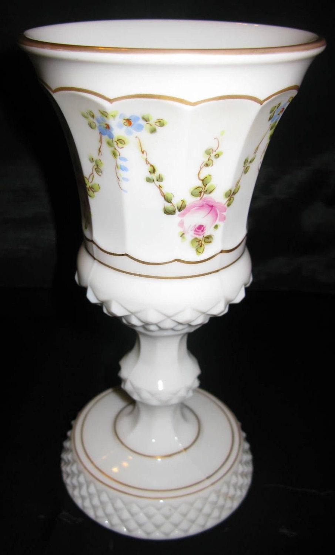 milk glass white shabby chic vase pedestal base vases urn. Black Bedroom Furniture Sets. Home Design Ideas