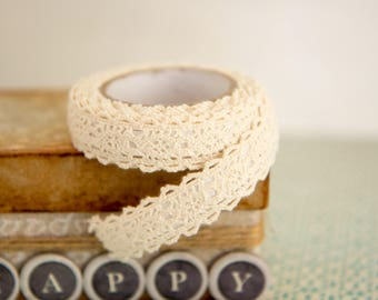Decorative ecru Lace Tape  15mm x 1,7m  Gift Wrapping, Scrapbooking, Card-Making