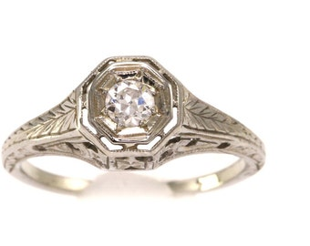 Vintage Diamond & Delicate Leaf Filigree 18k White Gold Ring Unique Engagement / Wedding Ring Petite Size 6.25