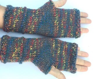 Multicolored gray fingerless gloves