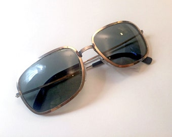 Vintage 1960s COOL RAY POLOROID Sunglasses Polished Gold Metal Frames