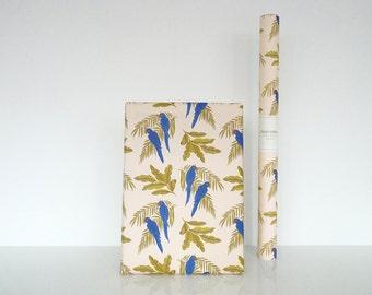 """Wrapping paper """"Parrots"""" - Papier cadeau """"Parrots"""""""