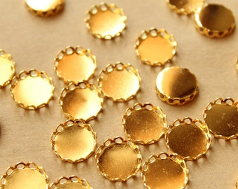 50 pc. Gold Plated Brass Lace Edge Setting: 12mm in diameter - | FI-352