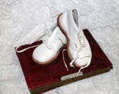 1950s/60s White Toddler Walker Shoes - Size 7 1/2EE - Leather Uppers and Soles - NOS - Never Worn - Made in USA