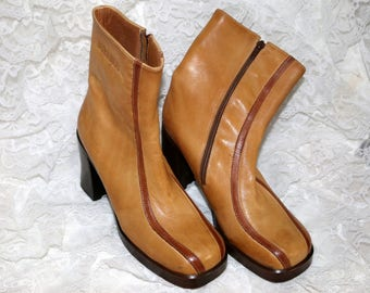 1970s Durango Booties - Ankle Boots - Beige/Cognac Accented - Leather - Rubber Sole - Size 6M - Made in Brazil