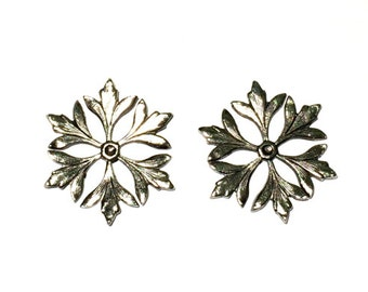 4 Round Leaf Motif Stampings, Silver Ox, 24mm