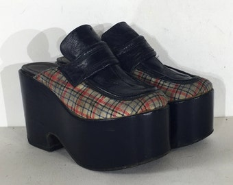 1970s super high platforms with blue plaid - size 6.5 - 1970s platform clogs - 1970s platform shoes - blue platforms
