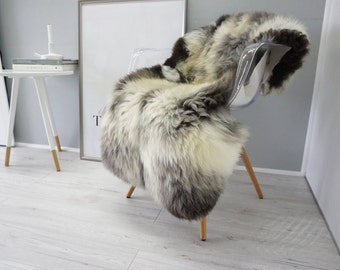 wundersch ne echte nat rliche riesen schaffell teppich von milabert. Black Bedroom Furniture Sets. Home Design Ideas