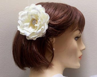 White Silk Flower Hair Clip, Gardenia Hair Flower, Bridal Hair Clip
