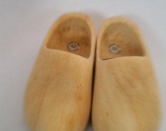 Vintage Dutch Wooden Shoes Souvenir of Holland  Child's Wood Clogs 1988 Decorative Wooden Shoes 21CM