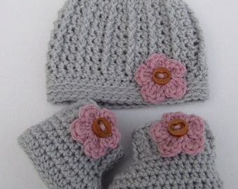 Crochet hat and booties set, baby gift, baby shower gift, free uk postage