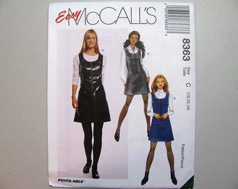 Vintage McCalls 8363 Jumper Sewing Pattern - Sizes 10, 12, 14 - Front Zippered Jumper Pattern - Vintage Sewing Supplies - Misses Pattern