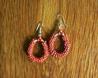 Vintage beaded red pair of earrings