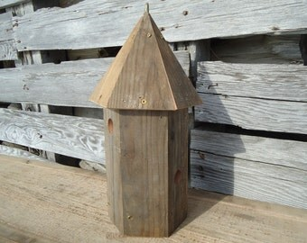 Double Apartment birdhouse - Salvaged wood birdhouse - Chickadee birdhouse - Weathered birdhouse - Garden birdhouse - Round birdhouse - Wood