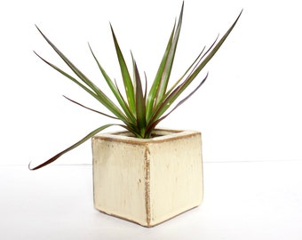 Vintage Rustic Chic Pottery Planter Rustic / Pottery Ceramic planter / Modern