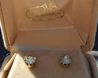 Simple vintage stud earrings