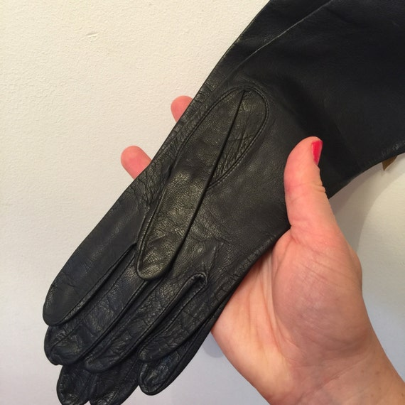 Vintage gloves black leather gloves NOS size 6 6.5 Miss Aris 1950s gloves 60s Mod accessory winter shorties unlined