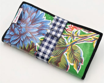 Cute Green Oilcloth Envelope System Wallet for Dave Ramsey Cash Budgeting and Extreme Couponing