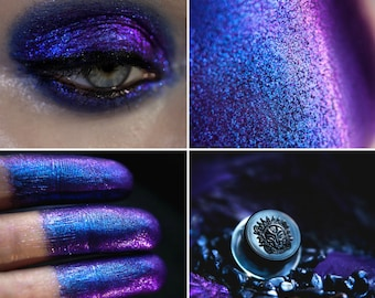 Eyeshadow: Subduing Look - Dragonblood. Blue-purple shimmering eyeshadow by SIGIL inspired.