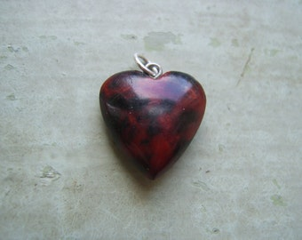 A Vintage Agate Heart Charm/Pendant/Fob.