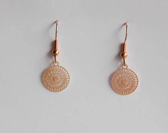 Small ornament earrings in rose gold