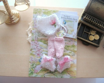dollhouse baby knitted pants socks booties 1:12 scale miniature beatrix potter jemima Rainbowminiatures