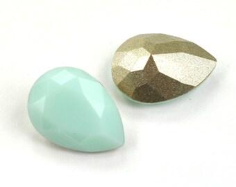 Swarovski 14x10mm Pear Shape 4320 Mint Alabaster 1 Piece