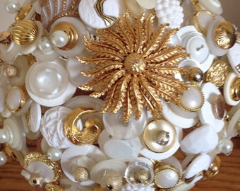 Golden Daisy Button Bouquet