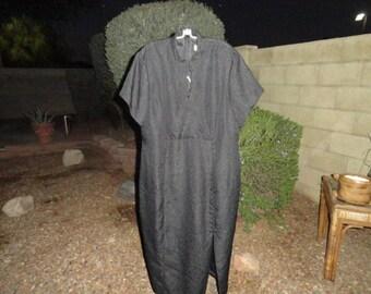 Vintage size 18W dress 44 inch bust 54 inch length ENVY