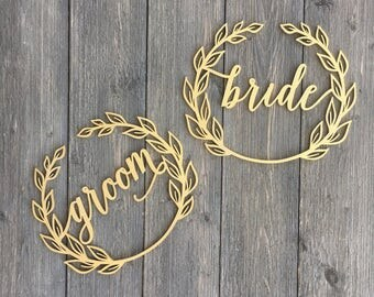Bride and Groom Wreath Chair Signs, Laser Cut Wooden Sign, Rustic Chair Backs, Sweetheart Table Decoration. Unique Chair Decoration