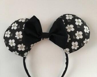 B&W Flower Power Ears