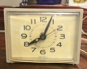 Vintage General Electric Clock