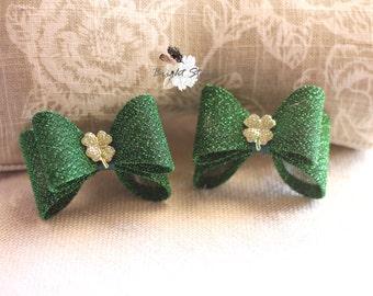 St. Patrick's day bow - green hair bows - girls hair bows - satin headband - satin hair bow - hair bow satin - Lucky Headband - Hair bows
