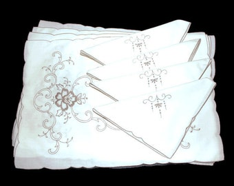 Embroidered Vintage Placemat Napkin Set, Second Anniversary Gift Ideas,  Bridal Shower Gift, Formal