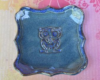 Owl plate. Spoon rest. Owl spoon rest.Soap dish. Owl soap holder. Owl jewelry holder. Owl ring holder. Owl trinket dish.