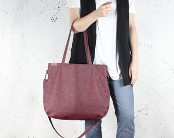 Pacco bag claret shoulder red crossbody wine tote zipped up pockets oversized city bag everyday handbag vegan faux leather