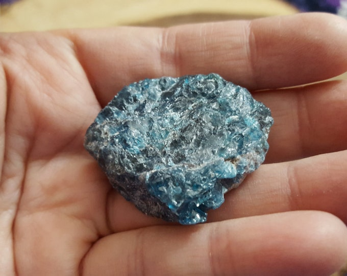 Blue Apatite ~ 1 small Reiki infused rough stone approx 1.3x1.3x.5 inches (BAR15)