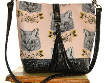 Foxy Loxy Bolsa Bag, Hobo Bag, Handmade Purse, Hobo Purse, Fox Print Purse, Medium Size Purse, Shell Pink Purse