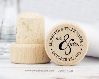 Personalized Wine Stopper - Mr and Mrs - Custom Wine Stopper - Wood Wine Stopper - Wedding Favor - Wedding Gift - 026