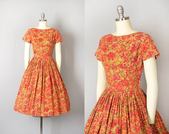 Vintage 1950s Dress | 50s Floral Print Cotton Full Skirt Red Orange Day Dress (small)