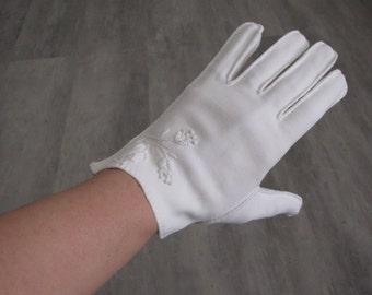 Vintage White Short Cloth Gloves - Small