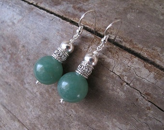 Aventurine earrings-Silver earrings-Aventurine silver earrings-everyday earrings-green earrings-yemenite earrings-israeli jewelry
