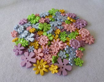 98 Assorted flower buttons, pastel colors, for embellishing, sewing, quilting, needlecrafts